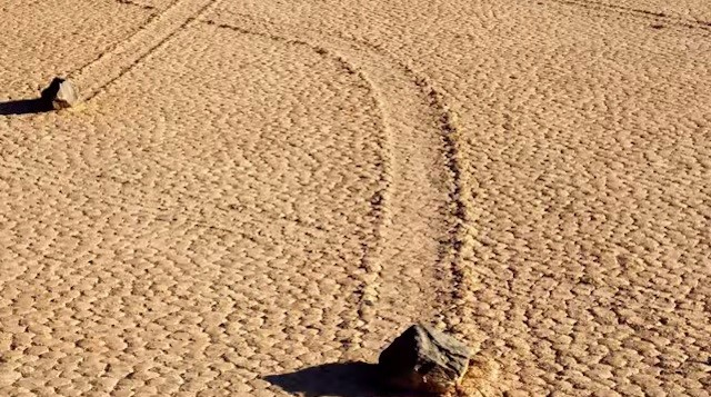 Sailing Stones: Massive Boulders Make Their Way Across Califonia's Death Valley On Their Own – Here's How