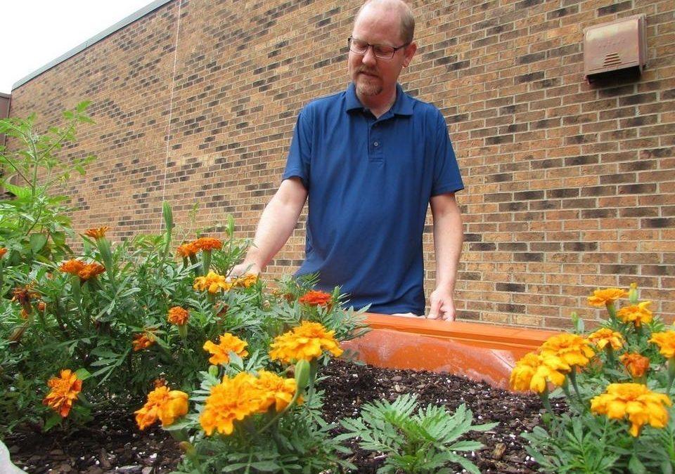 Pekin school uses gardening to help students with disabilities