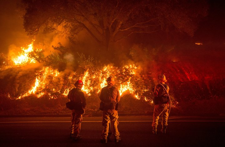 Thousands Flee As California Wildfire Doubles At Unprecedented Rate