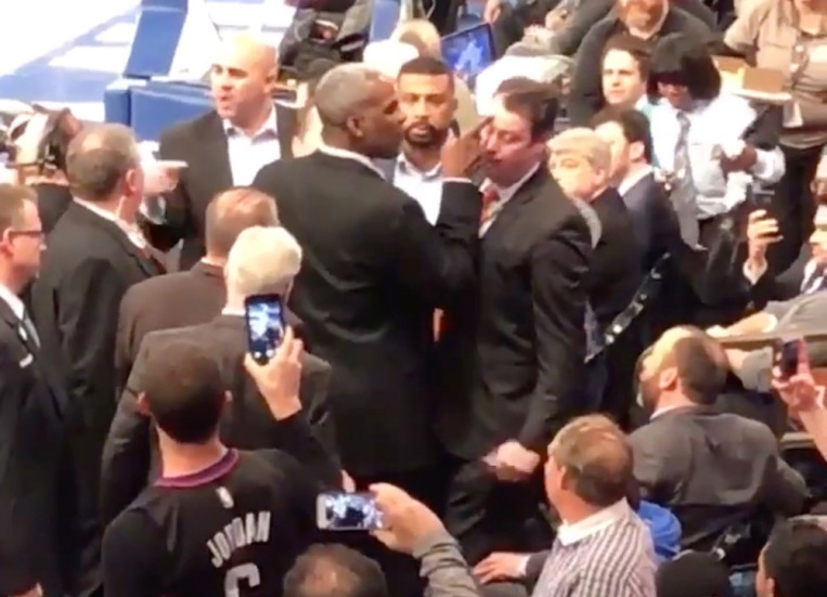 Charles Oakley banned from Madison Square Garden for a year