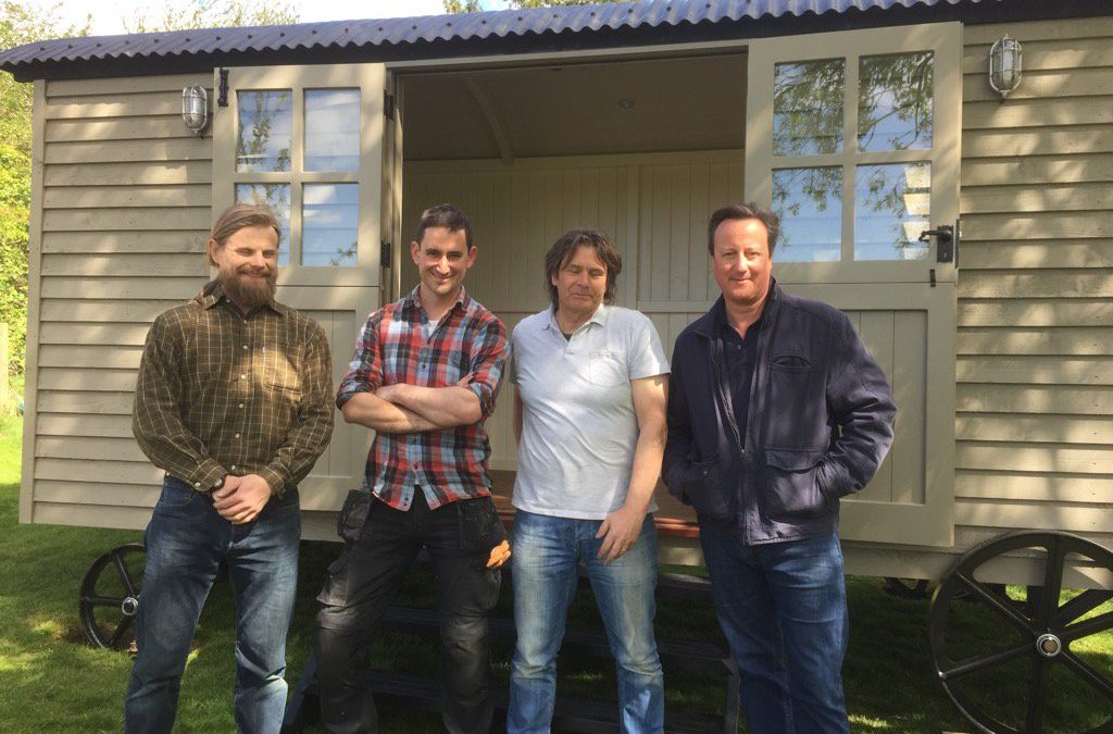 Downing Street to garden retreat: David Cameron spends £25,000 on luxury hut
